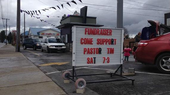 Plenty showed to Best Buzz for a fundraiser despite the rain.