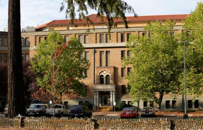 Federal regulators have agreed to negotiate an agreement with the Washington state agency that oversees the troubled Western State Hospital to avoid the loss of federal funds.
