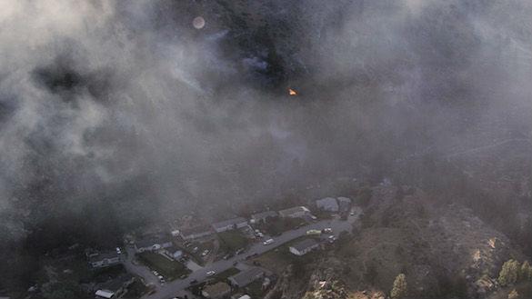 Ribbon Cliff Fire from the air. Photos: GoLakeChelan/Kaitlin Hetterscheidt