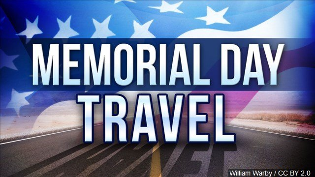 Fast moving airport security lines at the start of the Memorial Day weekend may bode well for return travelers Monday.