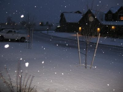 Snow falling on Spokane's South Hill Friday evening