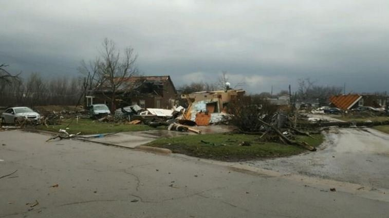 22 tornadoes tear through Midwest states; At least 3 dead