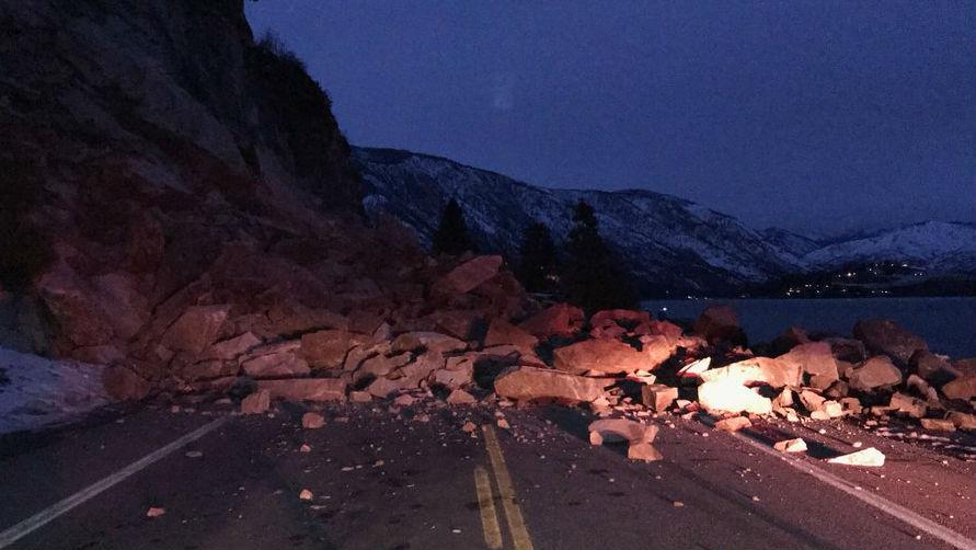Rock Slide Shuts Down Highway 971 Near Chelan Nbc Right