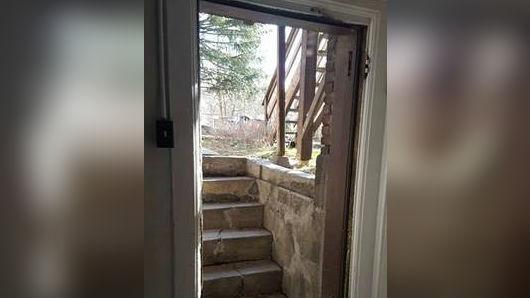 Doors stolen off hinges at Spokane womanu0027s apartment & Doors stolen off hinges at Spokane womanu0027s apartment - Spokane ... pezcame.com