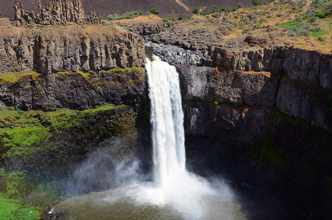 Palouse Falls State Park Temporarily Closes During Fire