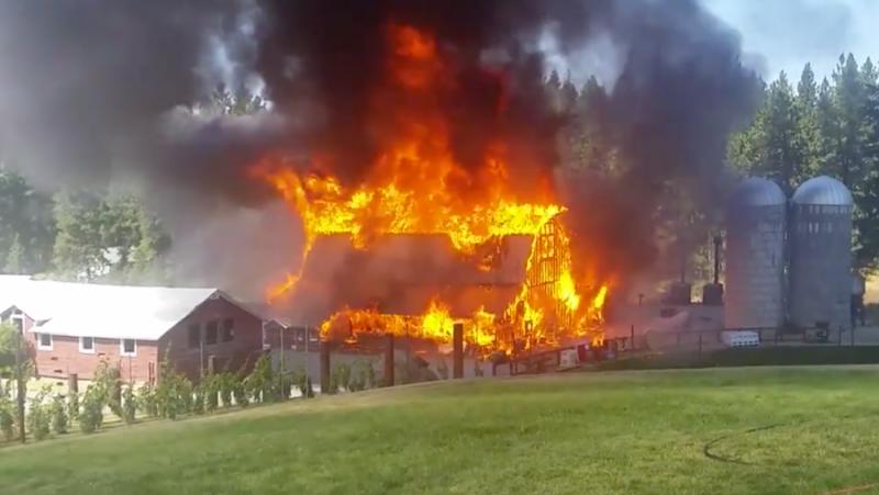 Barn At Historic Wedding Venue Burns Down In Coeur D 39 Alene Nbc Right Now Kndo Kndu Tri Cities