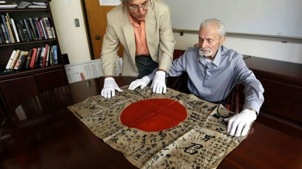 WWII veteran Marvin Strombo will return a flag from a dead Japanese soldier more than 70 years ago. (AP)