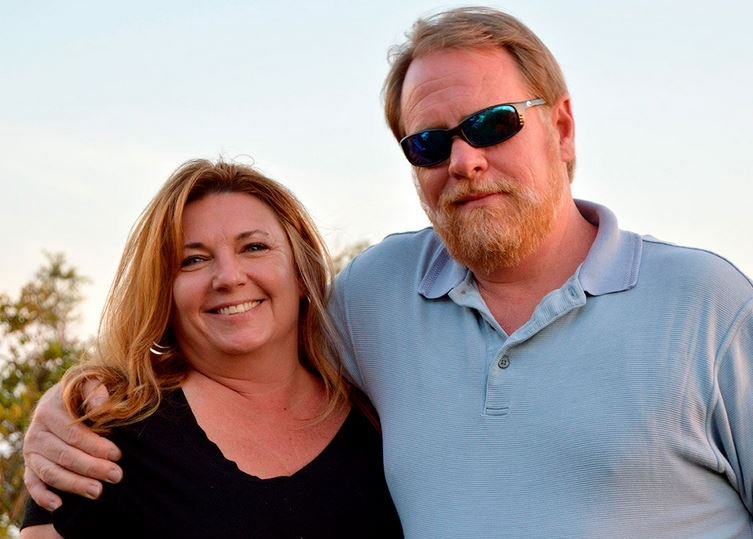 Tammy Copson (left) with fiance Keith Whatley. (Courtesy photo - http://www.codyenterprise.com)