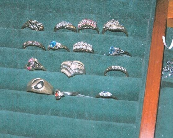  Photo of the stolen jewelry