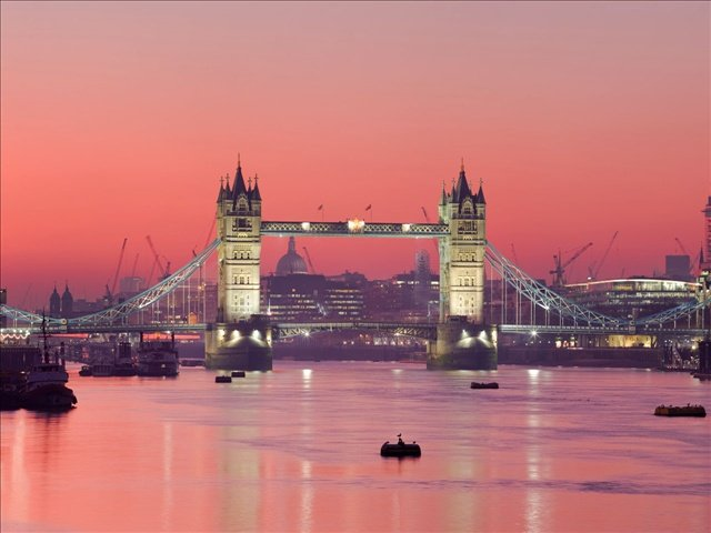 2. London, United Kingdom is ranked as the 2nd most popular tourist destination of 2013. Home to hundreds of monuments, museums, and the 2012 Olympics, London is a history buff's dream. (Courtesy: MGN Online)