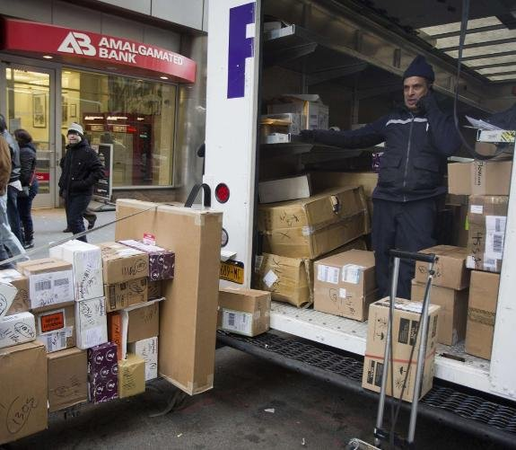 nbcnewscom two of the nations biggest package shippers hit the road thursday scrambling to deliver boxes to angry customers who didnt receive the