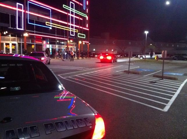 Hundreds of people were evacuated from the Spokane Valley Mall Friday night after a man robbed the arcade with a rifle.
