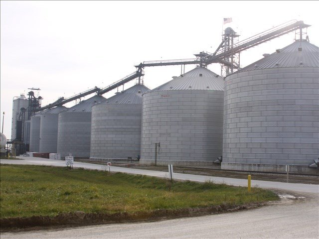 File Image of grain silos. Crews in Roy, Washington are trying to recover the body of a man who was buried after a silo collapsed
