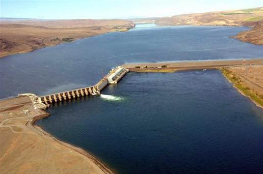 Wanapum Lake Dam Section at Wanapum Dam