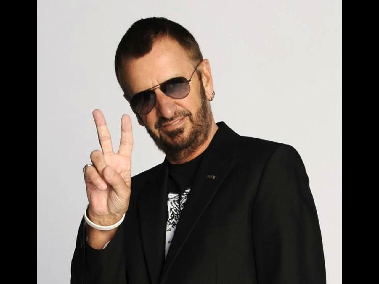KHQ's Dylan Wohlenhaus found Beatles drummer Ringo Starr climbing a tree