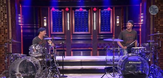 Will Ferrell and Chad Smith had a drum off on The Tonight Show With Jimmy Fallon this week.