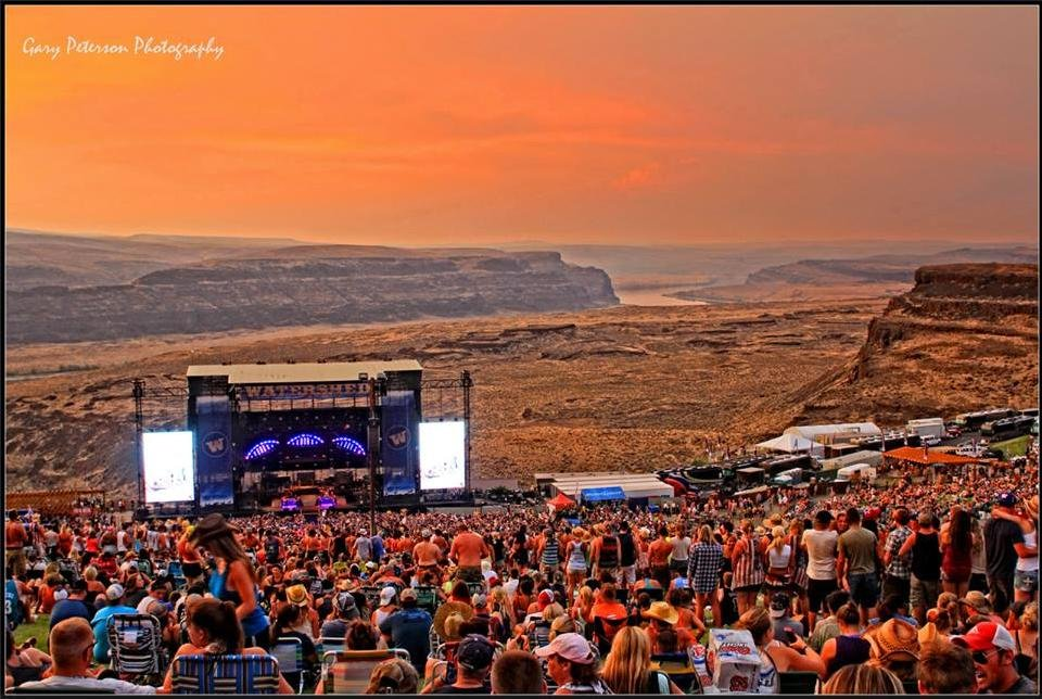 © The Gorge Amphitheater at Watershed 2014, courtesy of Spokane Photographer, Gary Peterson.