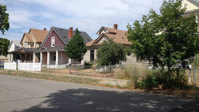 A new written ordinance by Spokane City Council member Amber Waldref addresses the issue of vacant homes within Spokane city limits.