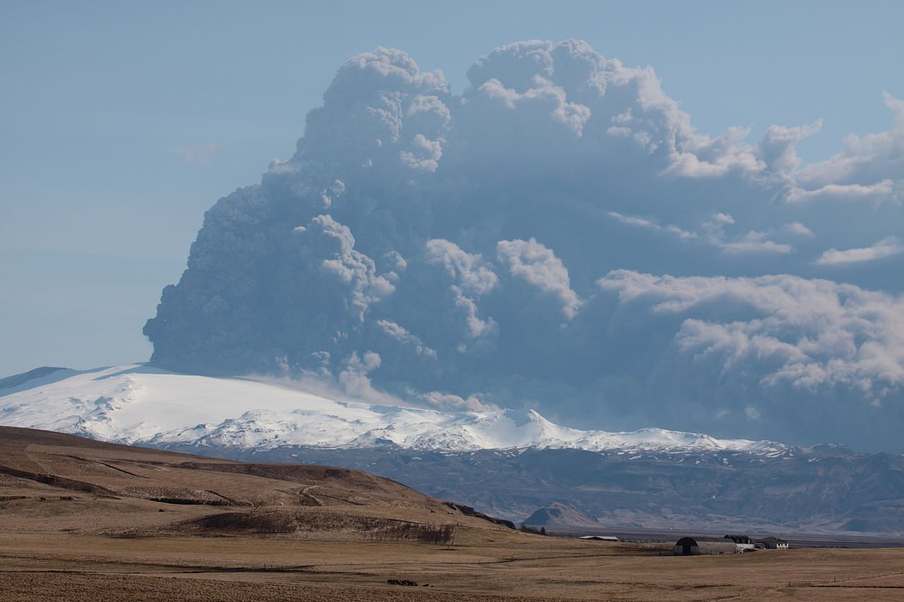 FILE: 2010 Iceland eruption that forced 100,000 flight cancellations