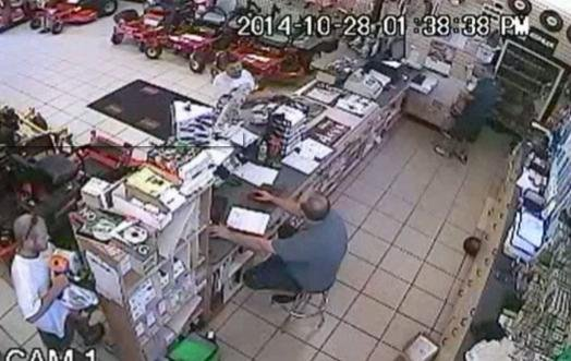 Man stuffs chainsaw down his pants in shoplifting case