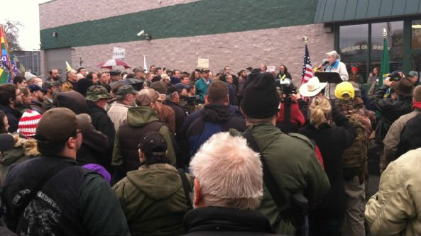 Hundreds of protesters openly displayed guns and rifles at today's protest.