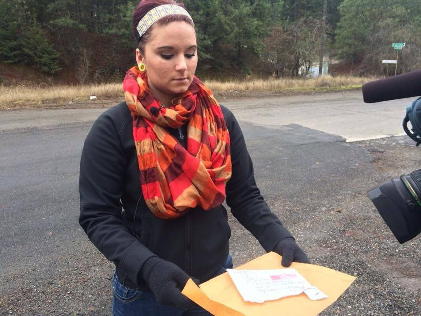 LaShaun Groman waited weeks for the gift that would make her Christmas, a necklace filled with the ashes of her father, who died of liver failure two months ago.