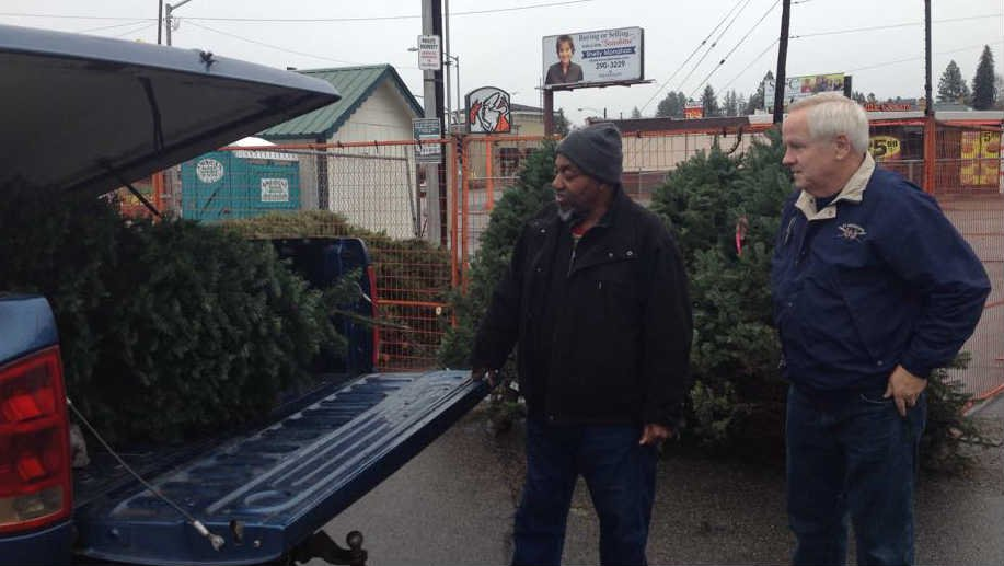 There weren't many Christmas trees left at some of the popular lots, but Curtis Wilson was determined to get one.