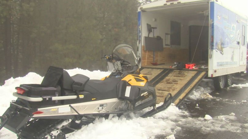 In light of snowmobiler Barry Sadler getting stranded for a day and a half near Ford Hill, Spokane snowmobile experts say snowmobiling alone is a dangerous situation.