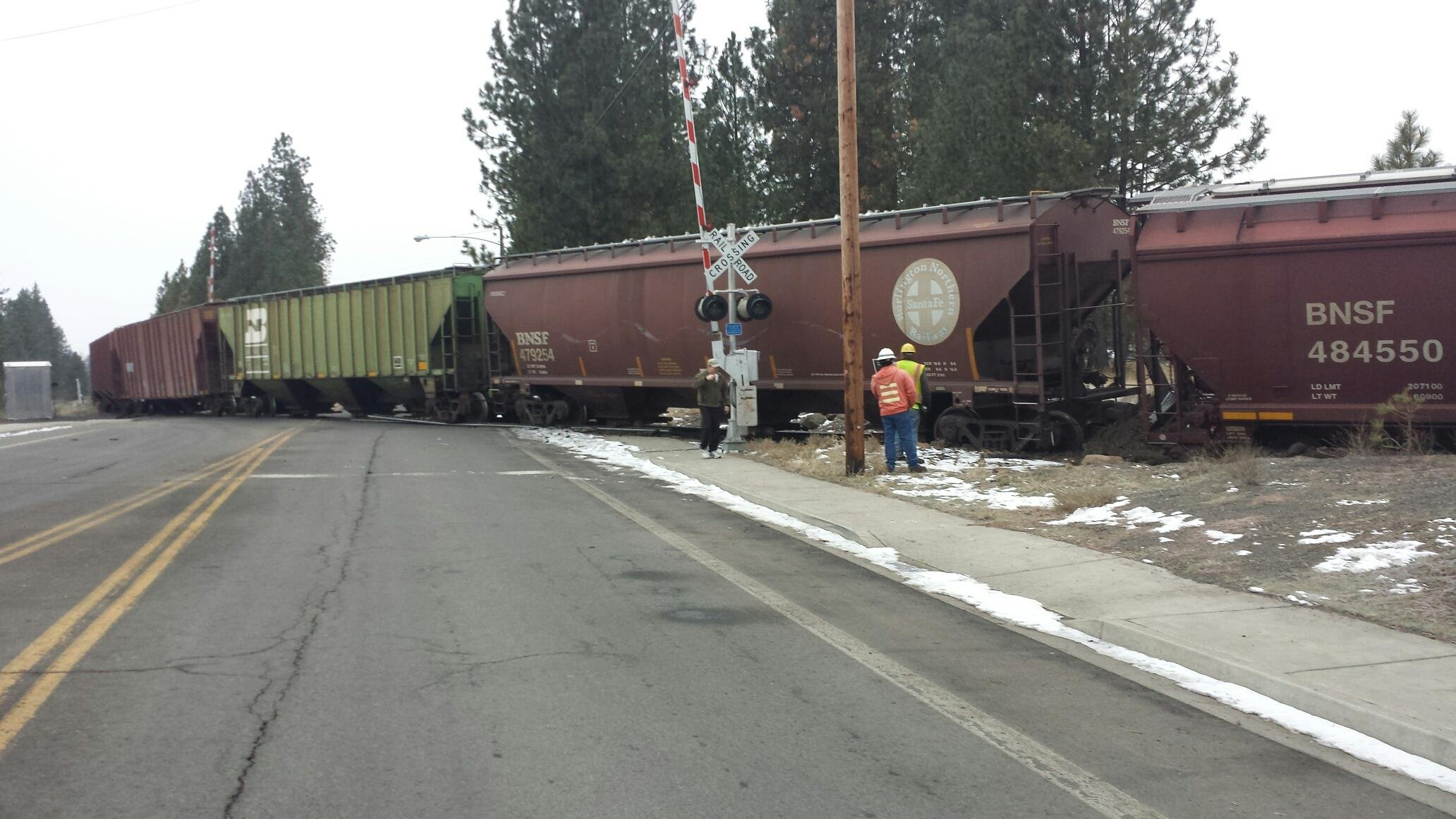 A train derailed in Cheney Thursday morning, blocking Cheney-Spokane Road
