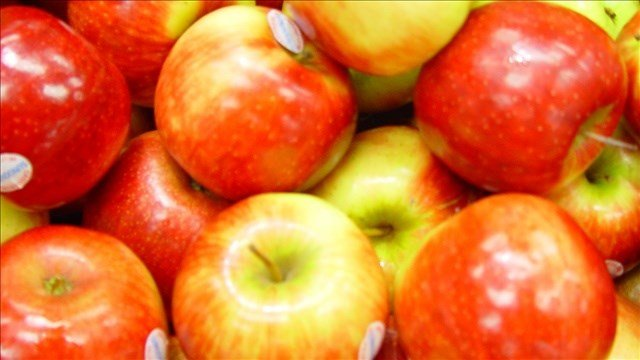 For the first time, all varieties of apples from the United States will go on sale in China.
