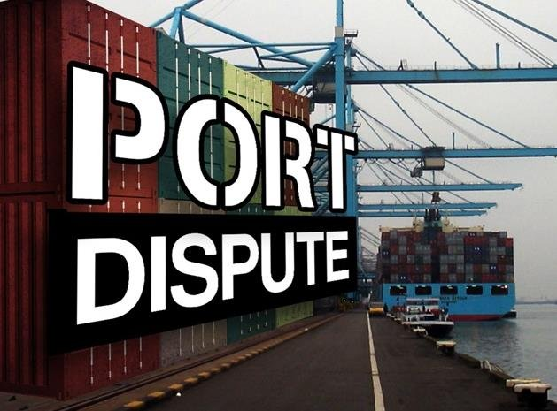 Negotiators have agreed to a tentative contract covering West Coast dockworkers.