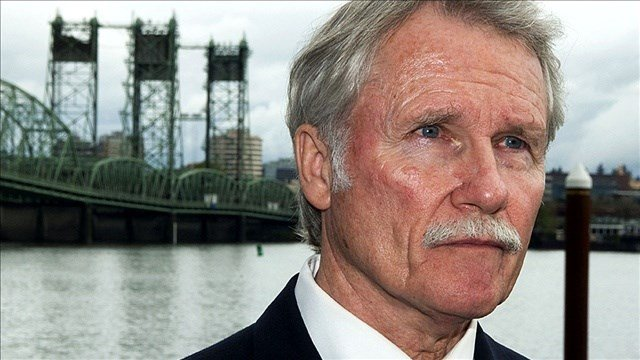 Records from two personal email accounts that Kitzhaber used were archived on state servers.