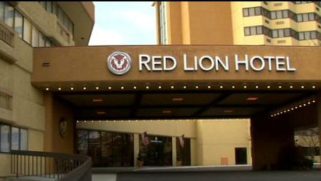The Red Lion Hotel is the closest hotel to the arena where the tournament is played so that makes it a prime home base for teams coming into town.