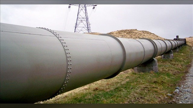 While the Keystone project remains in limbo, the U.S. has expanded its crude oil pipeline network by about a quarter in the last decade. Photo:  James T M Towill / MGN