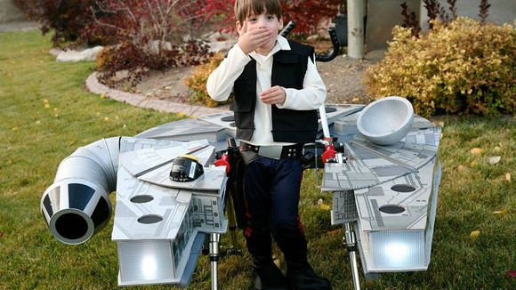 A Star Wars-loving Utah family has devised an elaborate solution to the challenge of finding a Halloween costume for their 5-year-old son with cerebral palsy. Photo: Chantelle and Patrick Bailey