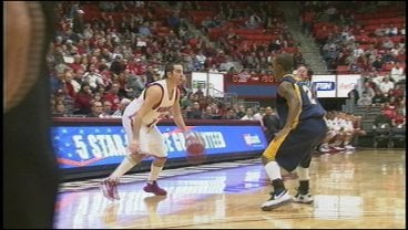 WSU's Taylor Rochestie scored 17 in the Cougars' rout of Canisius Tuesday night.