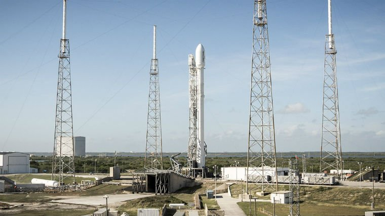 SpaceX is back in the rocket-flying business. Photo: SpaceX