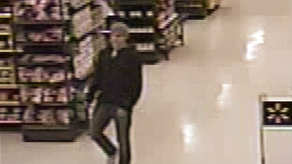 Anyone with information regarding this incident or can help identify this suspect is asked to call Crime Check at 509-456-2233 and reference report #15-458979.