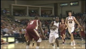 Jeremy Pargo leads the fast break against Santa Clara (Photo: KHQ)