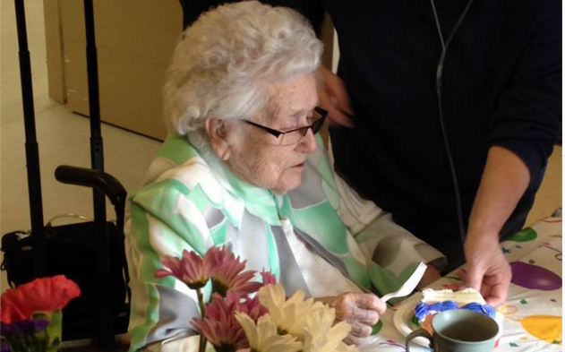Flossie Dickey Interview: 110-Year-Old Woman Goes Viral!