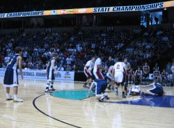 White Swan's Drew Blodgett made six 3-pointers to lift his team to a win (Photo: KHQ)